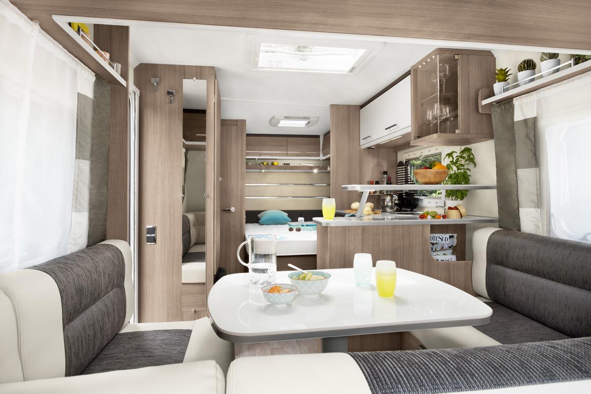 caravane 4 places caravane familiale allegra 450. Black Bedroom Furniture Sets. Home Design Ideas